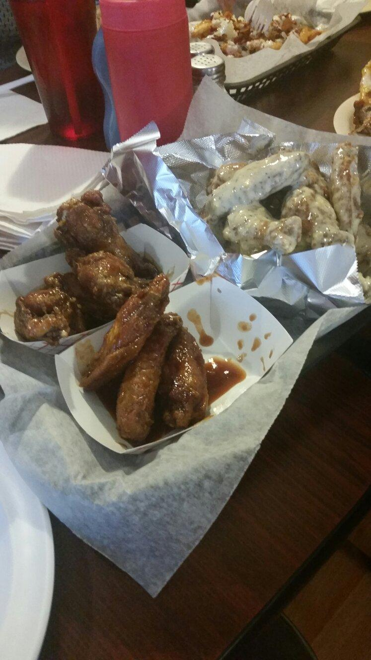 Joe`s Famous Wings & Weiners
